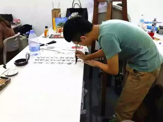 广美附中AIP学生星制造—书法暖男杨一钦