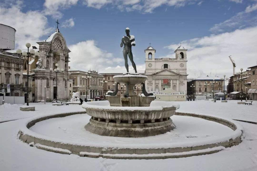 意大利拉奎拉美术学院